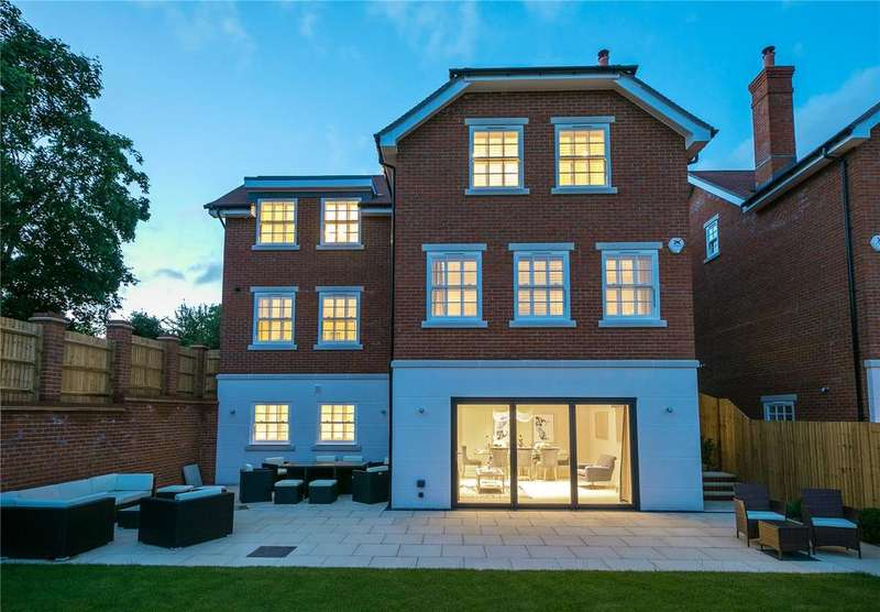 5 Bedrooms Detached House for sale in Alexandra Gate, 46 West Street, Reigate, Surrey, RH2