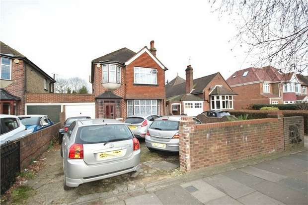 3 Bedrooms Detached House for sale in Bath Road, Hounslow, Middlesex