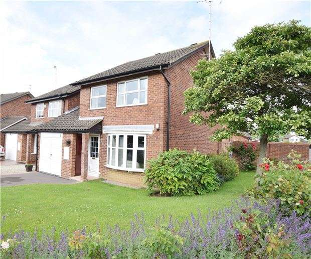 3 Bedrooms Detached House for sale in Hazlitt Croft, CHELTENHAM, Gloucestershire, GL51 0PN