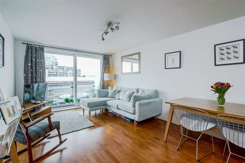 2 Bedrooms Flat for sale in Dolphin House, Smugglers Way, London, SW18