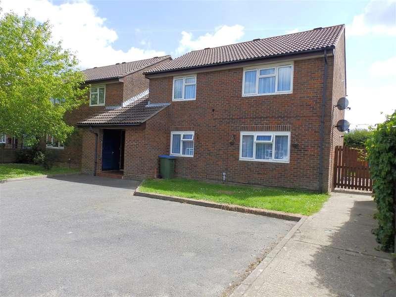 2 Bedrooms Apartment Flat for sale in Honeysuckle Walk, Horsham