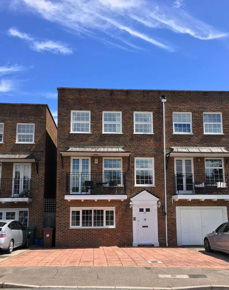 4 Bedrooms Town House for sale in Cavendish Crescent, Elstree