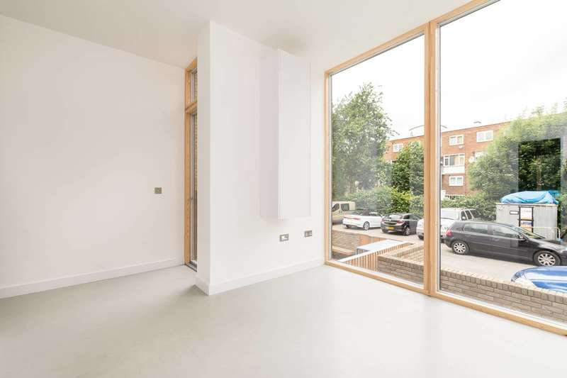 1 Bedroom Flat for sale in New Portland Arms, Vauxhall, SW8