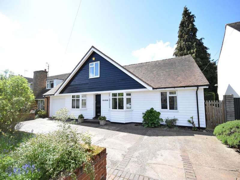 4 Bedrooms Detached House for sale in Chelmsford Road, Felsted, Dunmow, Essex, CM6