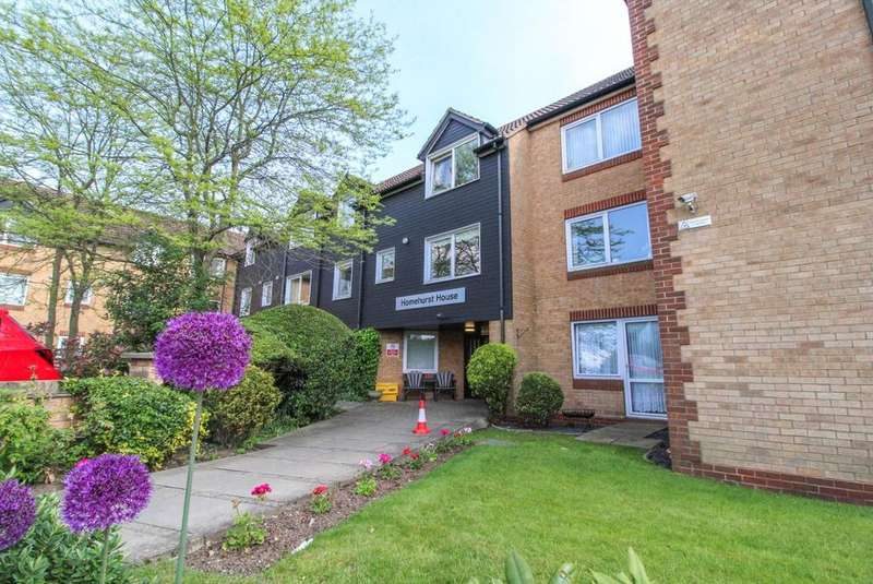 1 Bedroom Retirement Property for sale in Homehurst House, Sawyers Hall Lane, Brentwood, Essex, CM15
