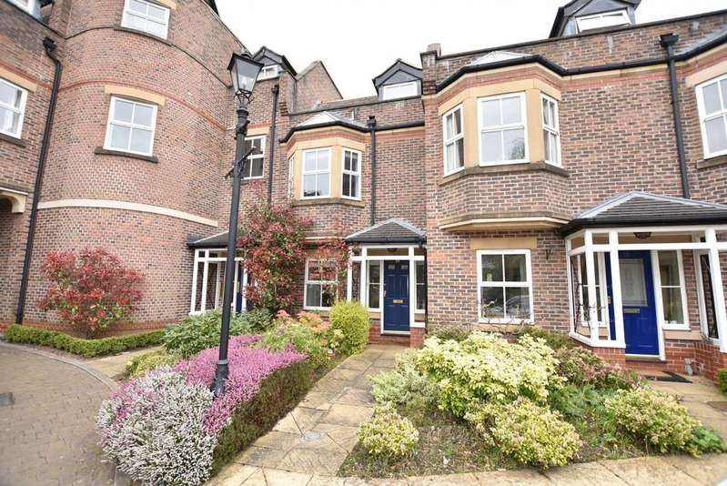 4 Bedrooms Town House for sale in Millfield Court, Hale