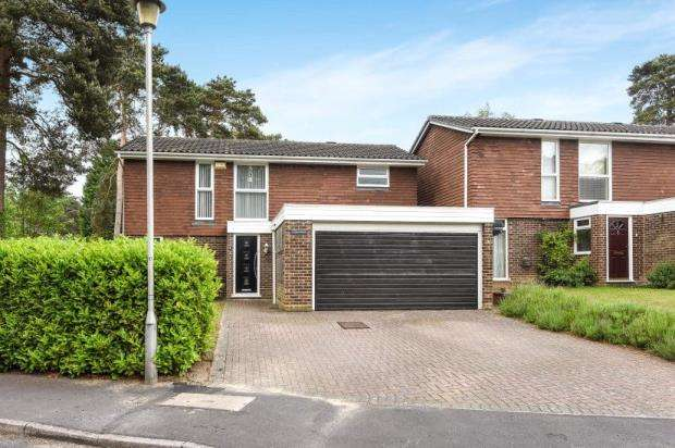 4 Bedrooms Detached House for sale in Quintilis, Bracknell, Berkshire