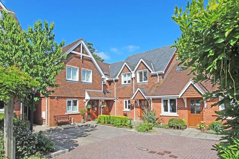 3 Bedrooms Retirement Property for sale in Brookley Road, Brockenhurst