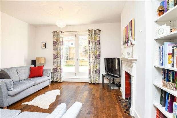 3 Bedrooms Maisonette Flat for sale in Telford Avenue, London SW2