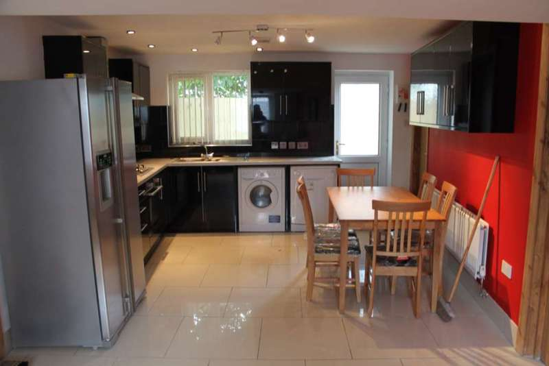 1 Bedroom House Share for rent in Fitzroy Street, Cathays, Cardiff, CF24 4BL