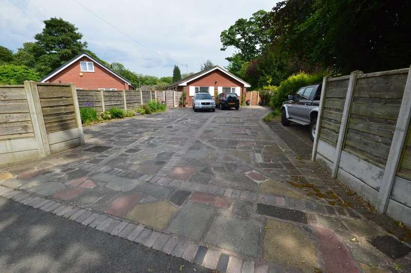 3 Bedrooms Detached Bungalow for sale in The Demmings, Cheadle