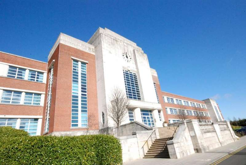2 Bedrooms Flat for sale in The Wills Building, Newcastle Upon Tyne