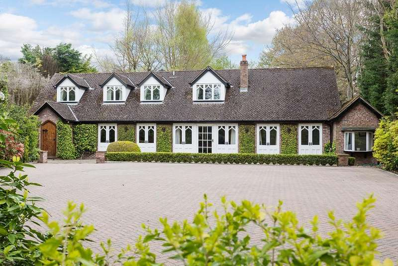 5 Bedrooms Detached House for sale in Dumbah Lane, Prestbury