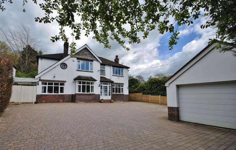 4 Bedrooms Detached House for sale in London Road, Prestbury