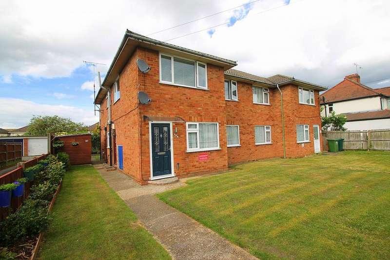 2 Bedrooms Maisonette Flat for sale in Feltham Road, Ashford, TW15