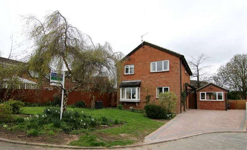 4 Bedrooms Detached House for sale in Mallow Close, Huntington