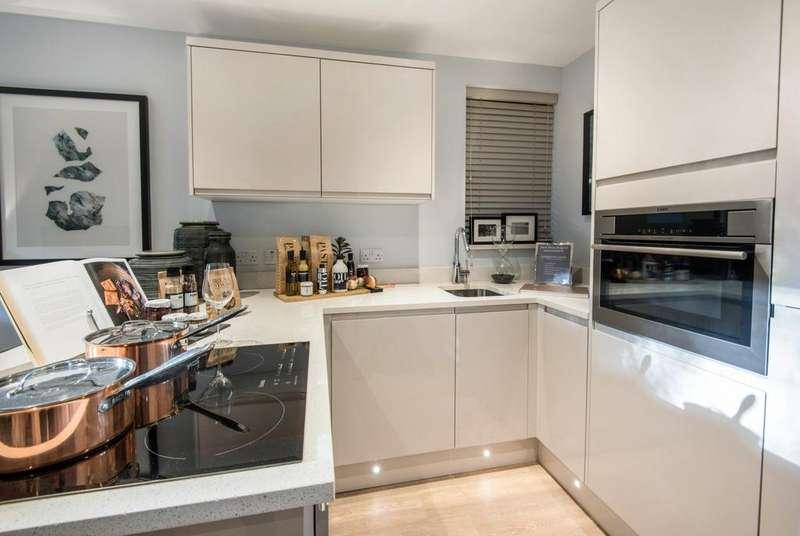 1 Bedroom Flat for sale in Brookfield Road, Wooburn Green, HP10