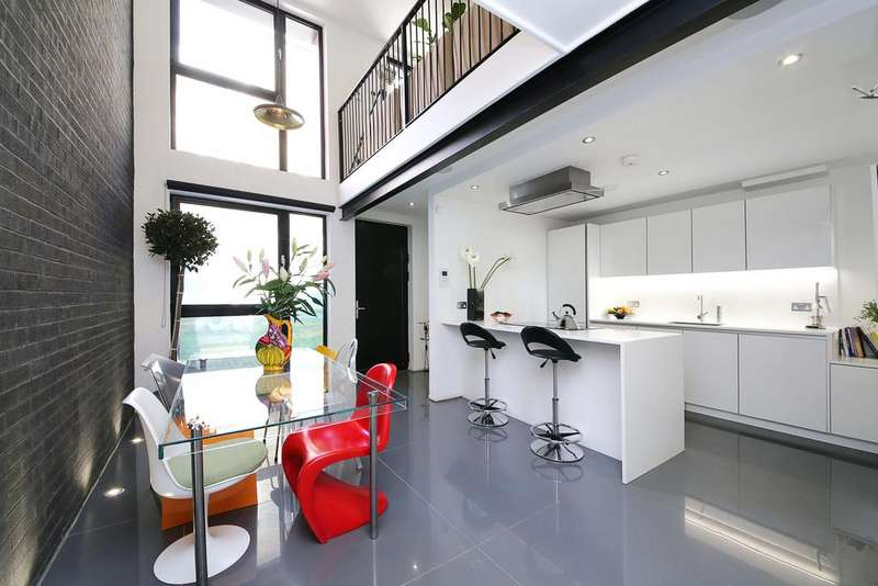 2 Bedrooms House for sale in Grimsby Street, Spitalfields, London