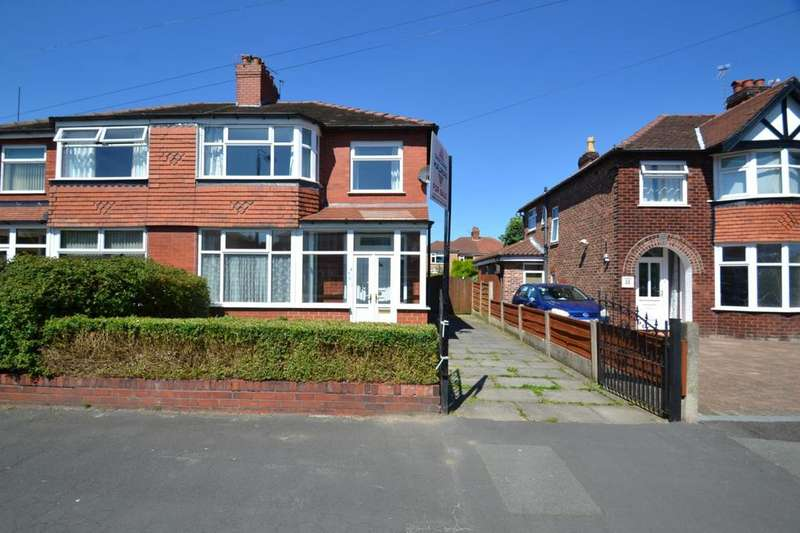 3 Bedrooms Semi Detached House for sale in Manley Road, Sale