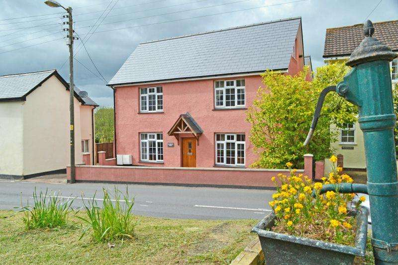 5 Bedrooms Detached House for sale in Newton Poppleford