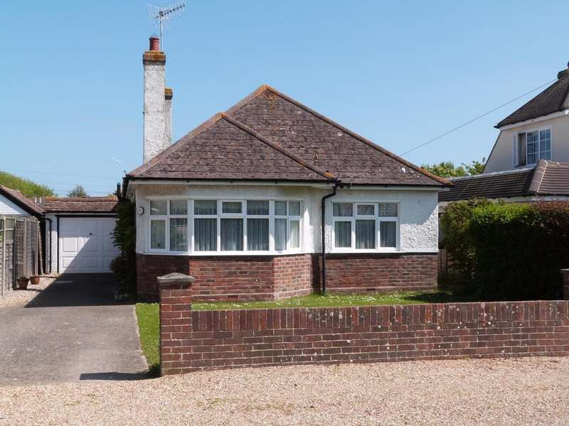 2 Bedrooms Detached Bungalow for sale in Arnell Avenue, Selsey