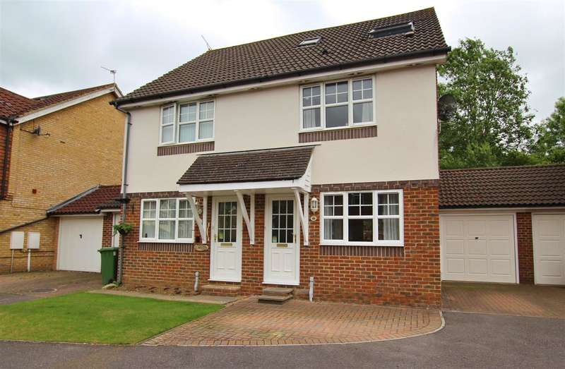 3 Bedrooms Semi Detached House for sale in Cornflower Way, Southwater, Horsham