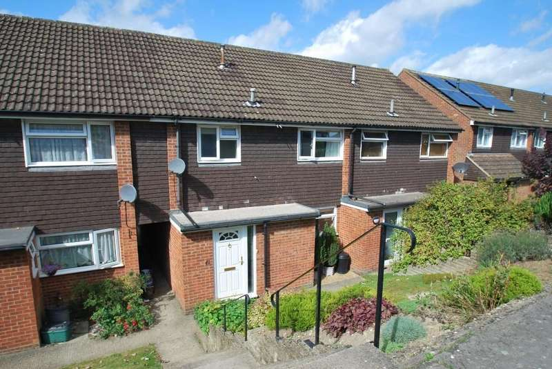 3 Bedrooms Terraced House for sale in Frances Street, Chesham, HP5