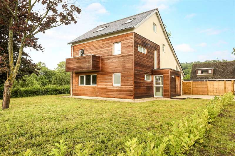 4 Bedrooms Detached House for sale in Upton Lane, Brookthorpe, Gloucester, Gloucestershire, GL4