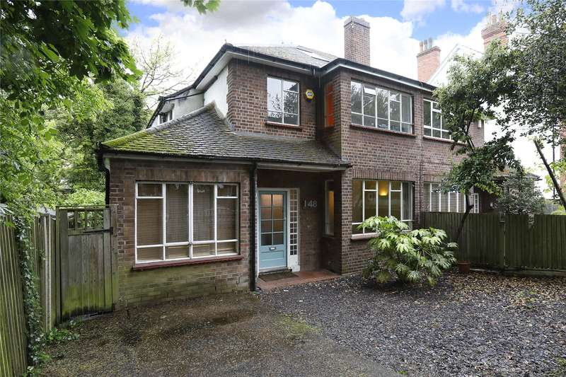 4 Bedrooms Semi Detached House for sale in Fox Hill, London