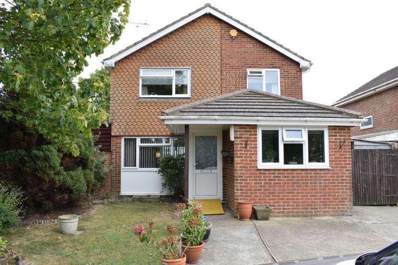 4 Bedrooms Detached House for sale in Jeffery Close, STAPLEHURST