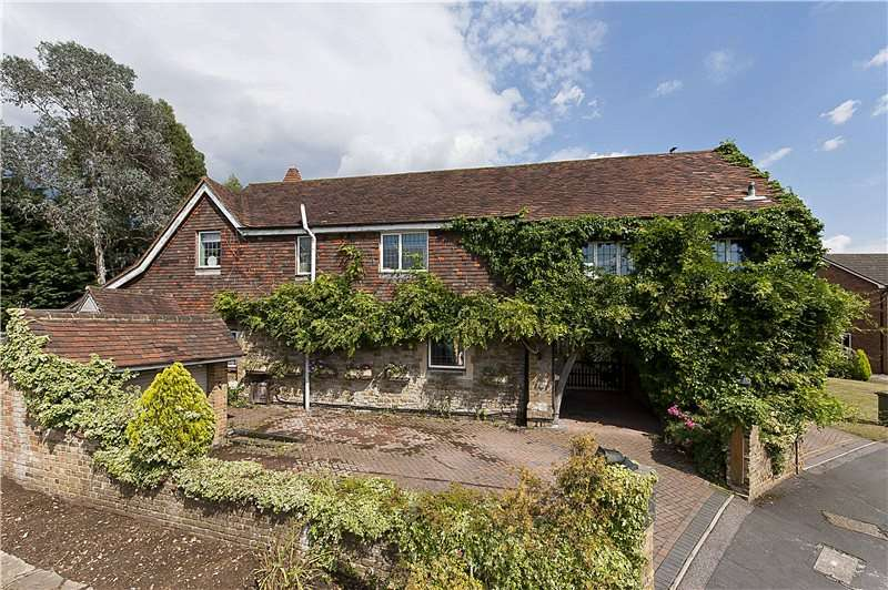 5 Bedrooms Detached House for sale in Westdene Way, Weybridge, Surrey, KT13
