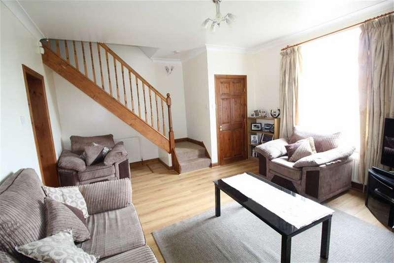 3 Bedrooms Property for sale in Manchester Road, Milnsbridge, Huddersfield