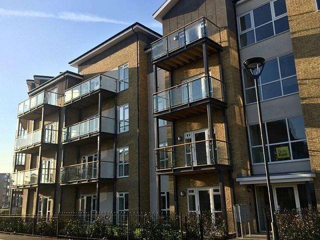 2 Bedrooms Flat for sale in The Hemwood, Drayton Garden Village, West Drayton