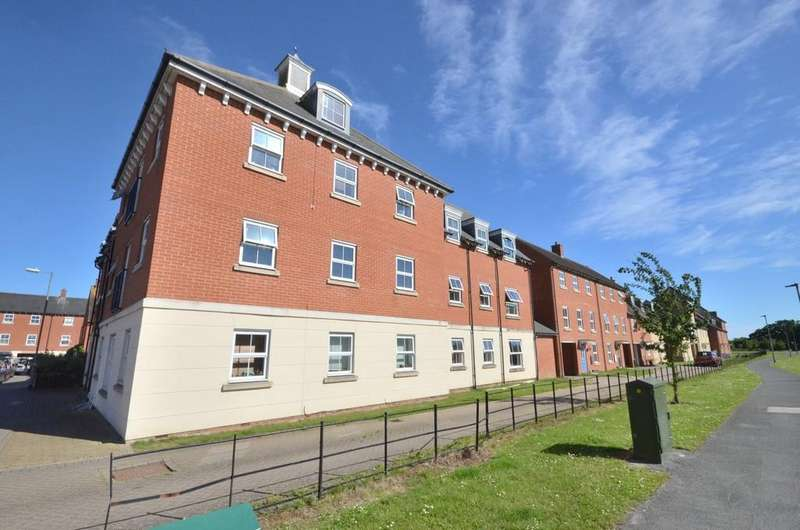 2 Bedrooms Ground Flat for sale in Chariot Drive, Colchester