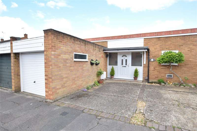 2 Bedrooms Semi Detached Bungalow for sale in Kirton Close, Reading, Berkshire, RG30