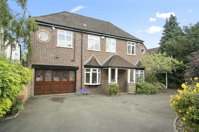 4 Bedrooms Detached House for sale in Ferry Lane, Laleham, Surrey, TW18