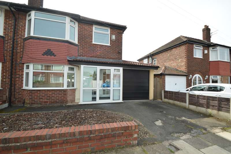 4 Bedrooms Semi Detached House for sale in Alexander Drive, Unsworth, Bury, BL9
