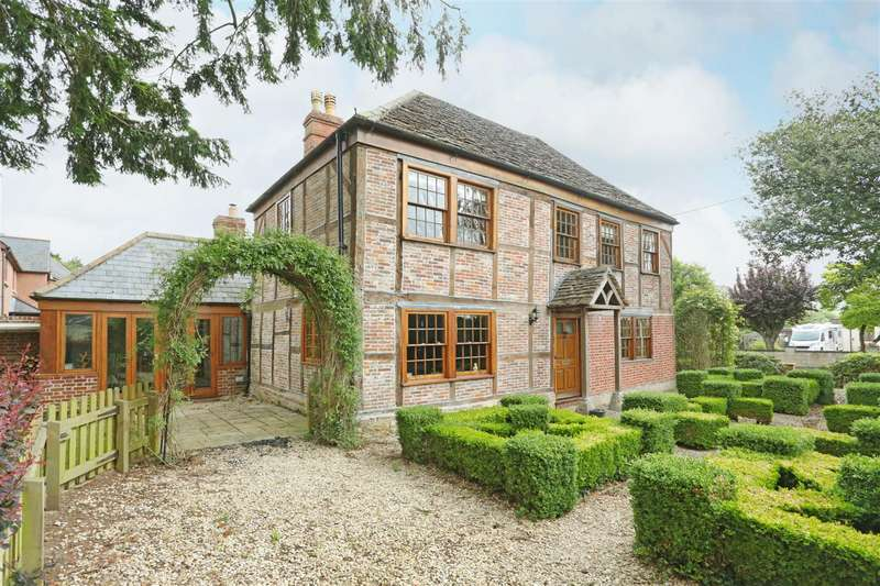 4 Bedrooms Detached House for sale in Netherstreet, Bromham, Chippenham