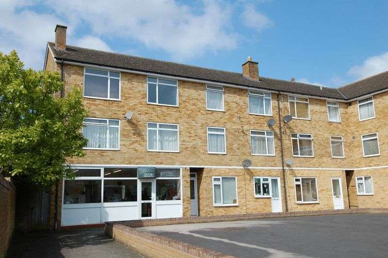 2 Bedrooms Property for sale in Spencer Avenue, Yarnton