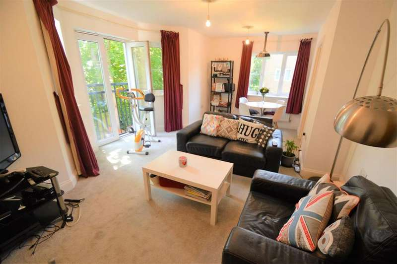 2 Bedrooms Flat for sale in Griffin Court, Gillingham