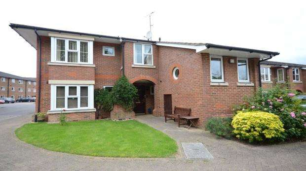 2 Bedrooms Retirement Property for sale in Shilling Close, Tilehurst, Reading