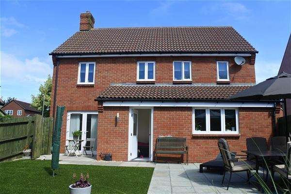 4 Bedrooms House for sale in Trinity Road, Shaftesbury