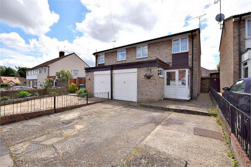 3 Bedrooms Semi Detached House for sale in Douglas Avenue, WATFORD, Hertfordshire