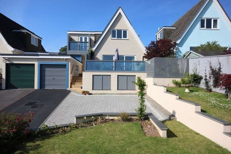 4 Bedrooms Detached House for sale in Manor Road, Abbotskerswell, Newton Abbot