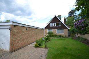 3 Bedrooms Detached House for sale in Essex Close, Tunbridge Wells, Kent