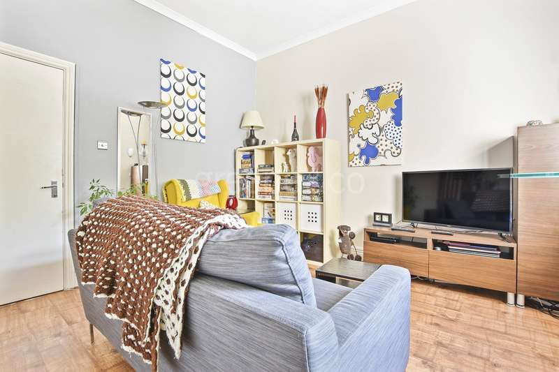 2 Bedrooms Flat for sale in Fernhead Road, Maida Vale, London, W9