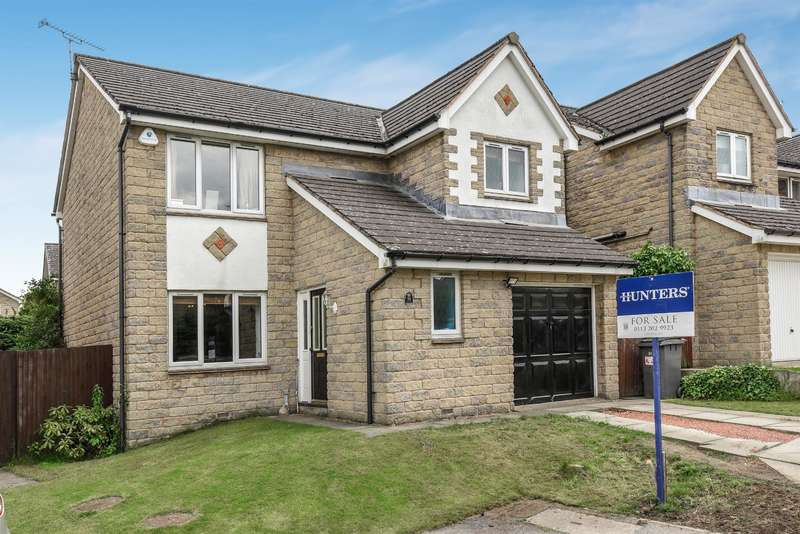 4 Bedrooms Detached House for sale in Crofters Lea, Yeadon, Leeds, LS19 7WE
