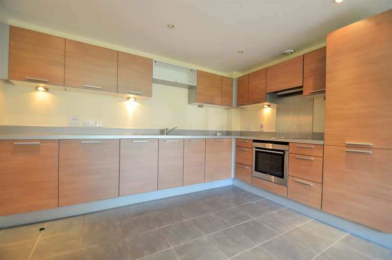 2 Bedrooms Flat for sale in Coral House, Lapis Close, Park Royal, NW10 7FH