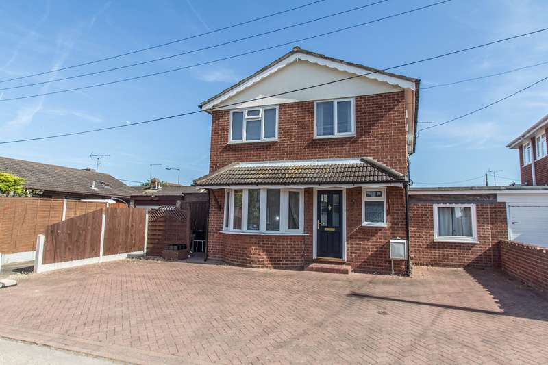 4 Bedrooms Detached House for sale in Caro Road, Canvey Island, SS8