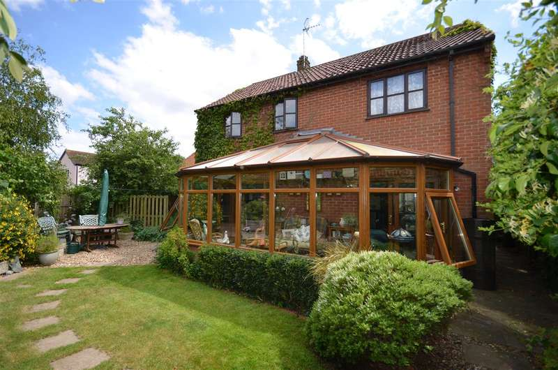 3 Bedrooms House for sale in The Street, Runham, NR29